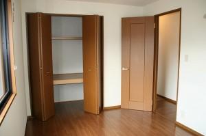 洋室(6.8畳)